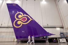 Ultimata la verniciatura della sezione di coda verticale del primo Airbus A380 di THAI