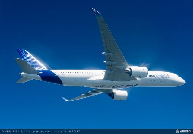 A350_XWB_air_to_air_first_flight_5