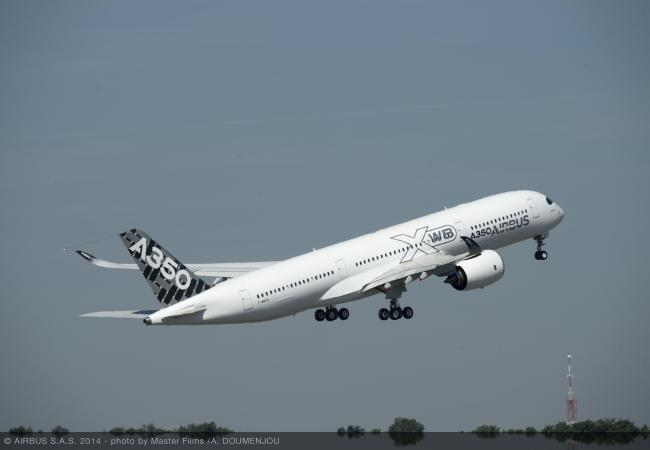 A350_XWB_MSN005_take_off_2