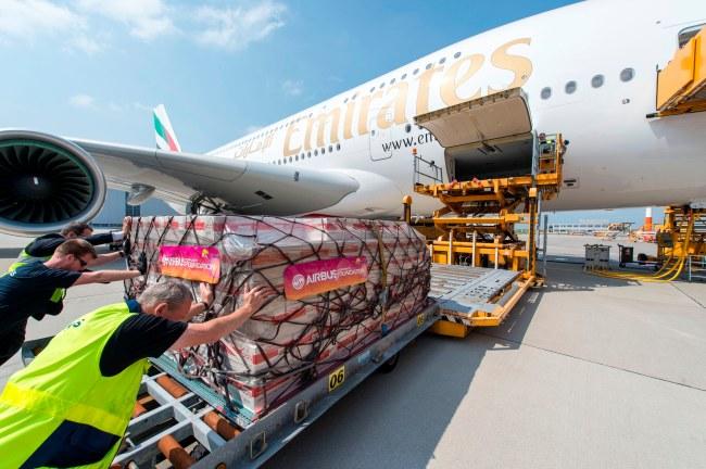 41 tonnellate di aiuti umanitari sono stati trasportati a bordo del volo di trasferimento