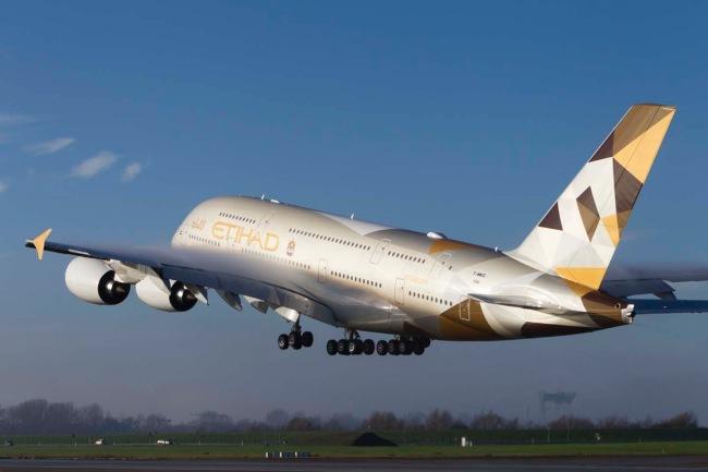 Etihad Airways riceve il primo Airbus A380