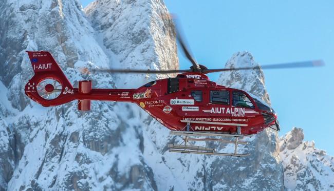 Il primo EC135 T3/P3 potenziato di Airbus Helicopters entra in servizio con Aiut Alpin Dolomites per le operazioni di elisoccorso in alta quota