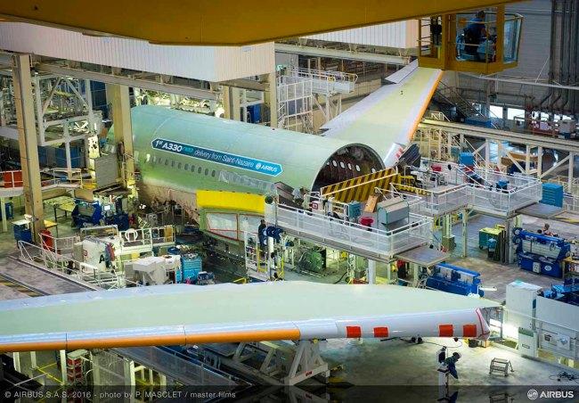 A Tolosa il primo Airbus A330neo inizia la fase di assemblaggio finale